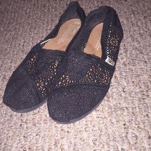 GUC Black Lace Toms Size 7.5